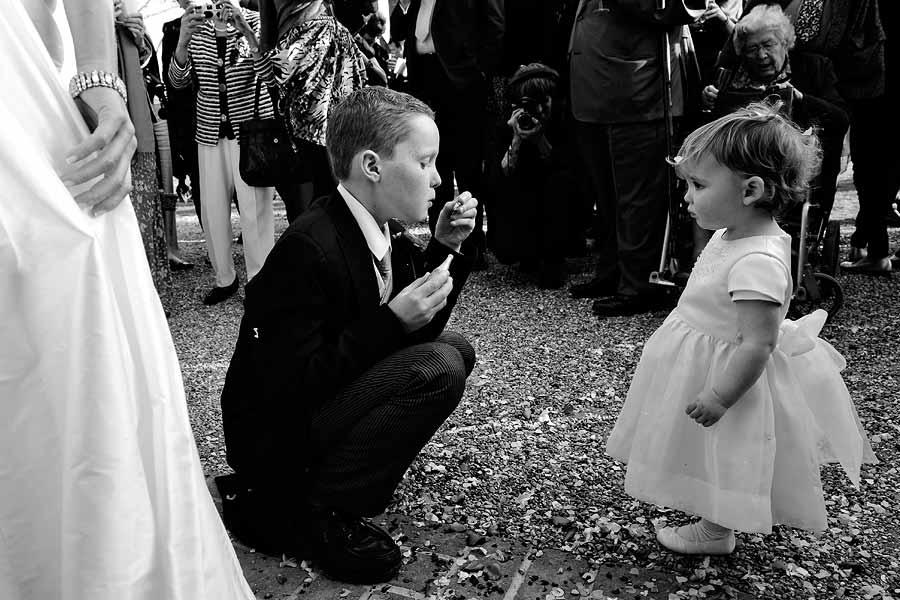 page-boy-bridesmaid-bubbles