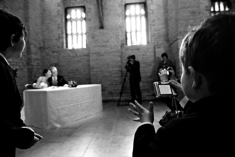 young-wedding-photographer