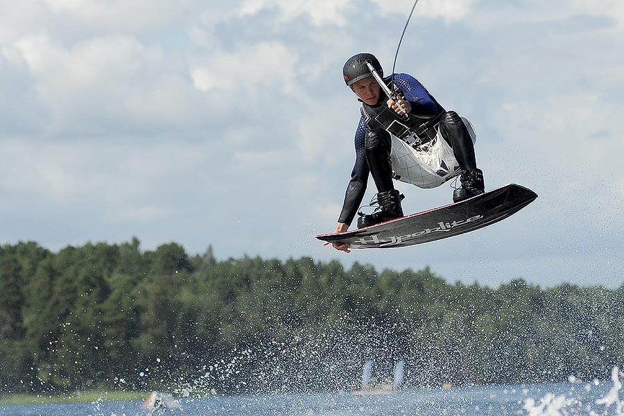 nick-johnson-wakeboarding-hyperlite